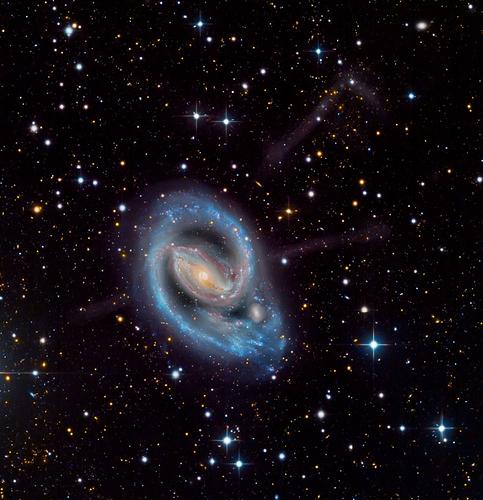 NGC1097_crop_LRGB_Ha